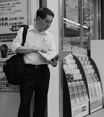 Computing on the go (Bill Morgan) Tags: fujifilm fuji xpro2 f2 bw jpeg acros alienskin exposurex4 35mm