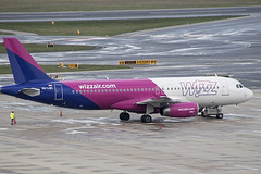 HA-LWC | Wizz Air | Airbus A320-232 | CN 4323 | Built 2010 | VIE/LOWW 06/04/2019 (Mick Planespotter) Tags: aircraft airport 2019 nik sharpenerpro3 spotter planespotter plane airplane aeroplane a320 halwc wizz air airbus a320232 4323 2010 vie loww 06042019 schwechat vienna wien flughaven