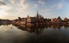 Manasi Ganga - Leica Elmarit-R 28mm - Panorama (thomas.pirolt) Tags: leica elmaritr 28mm 28 leitz elmarit india landscape water architecture old ancient art moment sony a7 a7ii goverdhan nature theindiatree life manasiganga