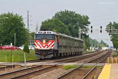 Metra BNSF West Line - Downers Grove (tim_1522) Tags: railroad railfanning rail illinois il bnsf burlingtonnorthernsantafe bn racetrack metra commuter f40phm2 chicago sub subdivision passenger