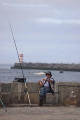 Il est l'heure! (Photoeric_) Tags: pêche portugal porto pêcheur