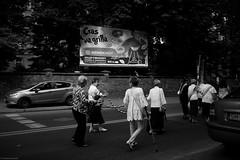 Czas na grilla / BBQ time - 2019 (Tu i tam fotografia) Tags: blackandwhite noiretblanc enblancoynegro inbiancoenero bw monochrome czerń biel czerńibiel noir czarnobiałe blancoynegro biancoenero street ulica miasto city streetphotography fotografiauliczna streetphoto ludzie people kobiety człowiek man women car samochód reklama advertisement bilbord billboard barbecue bbq gril grill różaniec chaplet procesja bożeciało procesjabożegociała dark outdoor candid procession polska poland kiełbaski sausages streetlife