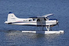 C-FZZJ, DHC-2 Beaver, Seair, Vancouver Harbour (ColinParker777) Tags: dehavilland otter float plane floats seaplane aircraft airliner aviation fly flying airplane aeroplane amphibious amphibian harbour air canada vancouver cxh cyhc harbor aerodrome water sea ocean reflection flight canon 5dsr 5ds 100400 lens zoom telephoto pro mk2 mkii spotting planespotting splash dhc2 beaver piston radial seair cfzzj
