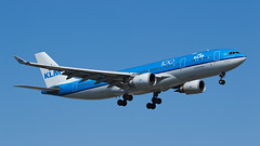 KLM A330-203 PH-AOE (Olivier_Pirnay) Tags: cyul yul montréal airbus klm a330203 phaoe