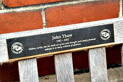 'Such deeply personal sadness…' (Peter Denton) Tags: memorialbench actor showbusiness johnthaw inspectormorse thesweeney thamestelevision kavanaghqc goodnightmistertom stpaulschurch coventgarden london actorschurch inscription plaque ©peterdenton canoneos100d drama