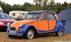 Citroën 2CV (Wouter Bregman) Tags: kp2423z citroën 2cv citroën2cv 2pk eend geit deuche deudeuche 2cv6 orange blue célébrationcentenairedecitroën célébration centenaire 2019 lafertévidame 28 eureetloire eure et loire france frankrijk vintage old classic french car auto automobile voiture ancienne française vehicle outdoor slovenia