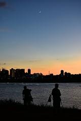 夕陽 (dogcat131) Tags: 公園 夕陽 台灣 台北 太陽 剪影 腳踏車 樹 黃昏 河濱 新北