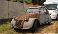 Citroën 2CV 1956 (Wouter Bregman) Tags: cy710vv citroën 2cv 1956 citroën2cv 2pk eend geit deuche deudeuche ribbelkap célébrationcentenairedecitroën célébration centenaire 2019 lafertévidame 28 eureetloire eure et loire france frankrijk vintage old classic french car auto automobile voiture ancienne française vehicle outdoor