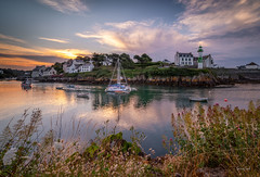 Doëlan (Soregral) Tags: mer paysage ocean ciel bateau cloud nuage port brittany boat bretagne leverdesoleil sunrise sea