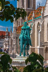 Statue of King Stephen (Behind Budapest) Tags: 2019 365project 70d budapest canon europe hungary magyarorszag matthiaschurch matyastemplom varnegyed church city famousplace nyar outdoor outside sculpture statue summer szobor templom town travel travelandtourism urban 250v10f