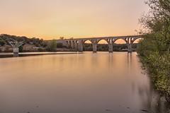 El puente del ferrocarril (Victor Aparicio Saez) Tags: puente atardecer agua embalse alairelibre aguasedosa arboles paisaje pantano fotoconamparohervella filtrond naturaleza