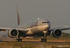 Boeing 777-300ER Qatar Airways (Moments de Capture) Tags: boeing 777300er b777 777 qatarairways aircraft plane avion aeroport airport spotting lfpg cdg roissy charlesdegaulle onclejohn canon 5d mark3 5d3 mk3 momentsdecapture