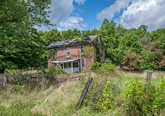 House on Green Valley Road (Bob G. Bell) Tags: abandoned house clouds monroe wv bobbell fujifilm xt1
