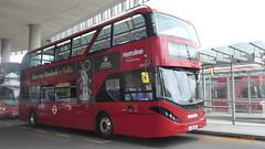 P1170315 BDE2633 LJ19 CVG at London Bridge Bus Station London Bridge Approach London Bridge London (LJ61 GXN (was LK60 HPJ)) Tags: metroline byd enviro400ev enviro400evcity e400ev electric 109m 10900mm bde2633 lj19cvg j4288 enviro400city