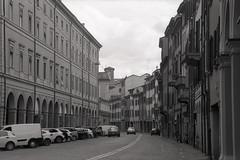Bologna (_jona) Tags: canon ilford hp5 film bologna italy