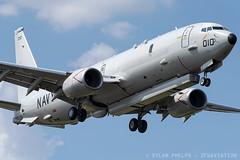 US Navy Boeing P-8A Poseidon (zfwaviation) Tags: kdal dal p8 poseidon 169010 aas raytheon littoral pod radar us navy airport airplane military 737