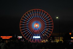 Nightfall at the Wisconsin State Fair (Cragin Spring) Tags: wisconsin wi 2019 fair unitedstates usa unitedstatesofamerica statefair wisconsinstatefair westallis summer summertime 2019wisconsinstatefair wisconsinstatefair2019 night ride lights circle ferriswheel