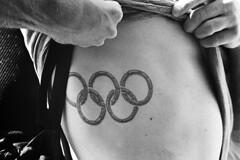 Training (tiltdesign2016) Tags: olympusom2n tokina135mm analogphotography bw rolleirhsdc19 kodaktrix400 plustekopticfilm7600ise sport schwimmbad schwimmen wuppertal wasserfreundewuppertal1883ev olympiavorbereitung tatoo olympiaringe