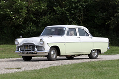 1963 Ford Zodiac (Roger Wasley) Tags: 1963 ford zodiac nmh214 classic car vehicle toddington gloucestershire