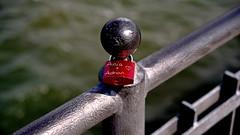 Everything for the love (dl1ydn) Tags: dl1ydn nahaufnahmen love schloss lock vorhängeschlösser liebesschloss canonfd 3570mm f4 manual manuell bridge seebrücke