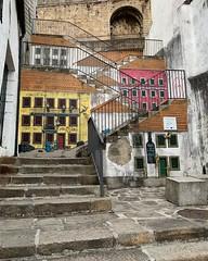 Les escaliers de Porto (Photoeric_) Tags: streetart escaliers rue street iphone portugal porto