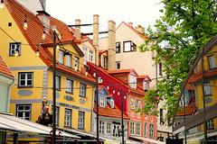 Downtown Riga (mandalaybus) Tags: riga latvia architecture building buildings ledifice lesedifices yellow red orange