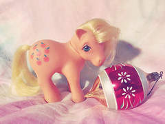 227/365/8 (f l a m i n g o) Tags: mlp toy collectible mylittlepony applejack peach color hair yellow mane shy sweet sad eyes cute 80s vintage thursday august 8th 2019 project365 365days ornament christmas 42624