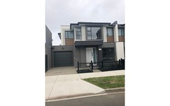 2/18 Rogerson Street, Avondale Heights Vic