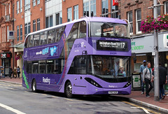 berks - reading buses 720 town centre 07-8-19 JL (johnmightycat1) Tags: bus reading berkshire