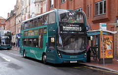 berks - reading buses 772 town centre 07-8-19 JL (johnmightycat1) Tags: bus reading berkshire