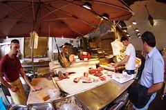 273 Sicile Juillet 2019 - Catane, La Pescheria (paspog) Tags: catane catania sicile sicily sicilia marché 2019 markt market lapescheria pescheria poissons marchéauxpoissons fischmarkt fishmarket fisch fish