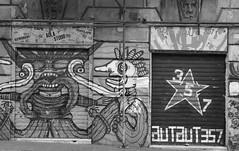 Aut Aut 357. (l'obiettivo) Tags: foto fotografia fotoinbiancoenero fotografiainbiancoenero monocromo autaut357 genova liguria italia photo photography blackandwhitephoto blackandwhitephotography bnwphoto bnwphotography monochrome italy canon canon1300d