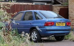 P603 REV (Nivek.Old.Gold) Tags: 1997 ford escort ghia x 16v 5door 1796cc