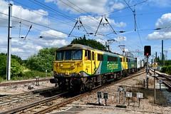 Manningtree can-can (legomanbiffo) Tags: freightliner intermodal felixstowe crewe wcml geml essex manningtree cans 86 class 86622 86610