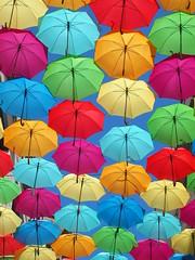 Parapluies suspendus (Bordeaux) (nadeshiko35) Tags: parapluies bordeaux couleurs multicolore ciel