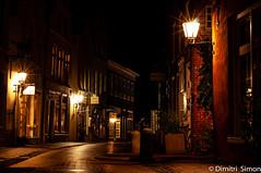 Empty street (dudi_dudewitz) Tags: night nightphotography empty street light warm lantern leer ostfriesland dark city long exposure nikon 50mm