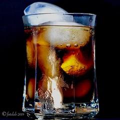 Mucho hielo, limón y Cola.... (EFD-fotolab) Tags: cocacolazero creatividad macro macrofotografia nikkor105mm nikond610 nikon coolorhotdrinks bebidasfriasocalientes lookingcloseonfriday