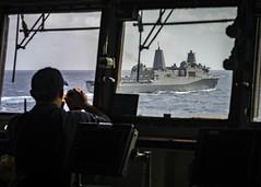 190801-N-WI365-1020 (SurfaceWarriors) Tags: photoex js uss ussashland ussgreenbay jsise jskunisaki formation helicopter destroyer lsd48 lpd20 ddh182 lst 4003 jmsdf coralsea