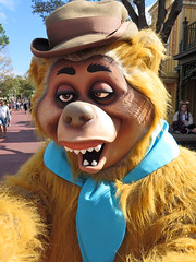 Wendell (meeko_) Tags: wendell bear countrybearjamboree characters disneycharacters frontierland magic kingdom magickingdom themepark walt disney world waltdisneyworld florida