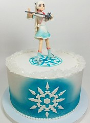 Weiss Schnee - RWBY (Edible Delights) Tags: weiss schnee weissschnee rwby white queen ice cute girl anime manga cake fondant gumpaste figure rooster teeth roosterteeth