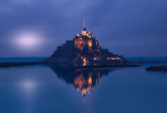 Moon ... Saint Michel (Chusmaki) Tags: ngc normandía montsaintmichel noche luna