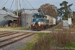 A&R 300 in Dundarrach (Travis Mackey Photography) Tags: ar 300 gp18 dundarrach nc train railroad locomotive silo trees grass sky road