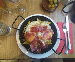 huevos rotos (Joan Pau Inarejos) Tags: madrid españa madridciudad madridcapital verano estiu vacaciones 2019 huevos rotos esttrellados