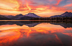 Summer Sunset Colors at Sparks Lake (Cole Chase Photography) Tags: threesisterwildernessarea sparkslake reflections bend pacificnorthwest oregon summer