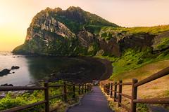 5:20am (MecCanon [Insta: JLPhotoOfficial]) Tags: jeju island south korea sunrise amanecer sky landscape paysage paisaje volcano beach playa stairs hdr canon 80d tokina 1116