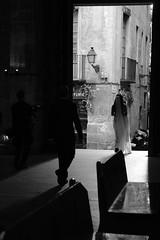 Bride and Groom (Bury Gardener) Tags: barcelona spain europe 2019 streetphotography street streetcandids snaps strangers candid candids people peoplewatching folks fuji fujixt3 fujifilm catalonia bw blackandwhite monochrome mono wedding