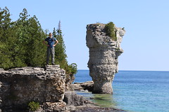 David and Big Flowerpot (daveynin) Tags: fathomfive brucepeninsula nationalpark canada ontario lake bay seastack rocks rockpillars mememe georgian