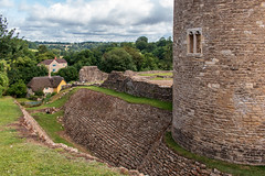 Farleigh Hungerford Castle (Keith now in Wiltshire) Tags: castle farleighhungerford somerset ruins stonework ditch tower defensive wall grass tree landscape sky houe thatch english heritage gradeilisted ancient monument