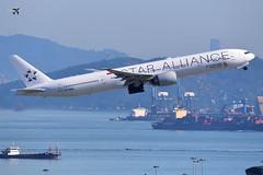 Singapore Airlines Boeing 777-312(ER) 9V-SWM (Star Alliance Livery). (* Raymond C.*) Tags: singapore airlines boeing 777 77w 9vswm star alliance sq vhhh hkg