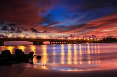 夕燒四草大橋(Sunset @ Shi Tsau bridge)。 (Charlie 李) Tags: 安平 台江 火燒雲 四草大橋 暮色 夕色 日落 taiwanstrait bridge clouds tainan sunset
